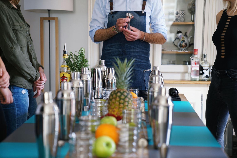 Viabar déco atelier cocktails EVJF EVG anniversaires weeding marriage cocktail bartender baman a domicile #offrezvousunbaraman mojito mojitos pina colada gin fizz cours de cocktail evenement lille nord pas de calais evenementiel apéritif entre amis